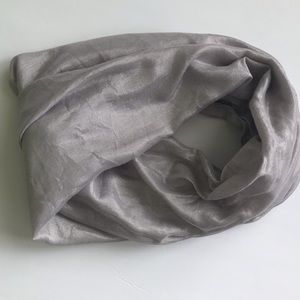 Accessories - Silver infinity scarf